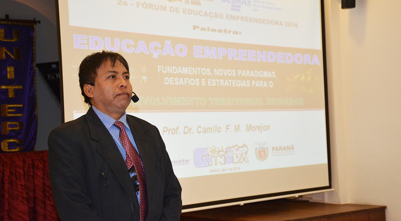 Experto en innovaciones investigativas del Brasil llega a la UNITEPC para transmitir sus conocimientos