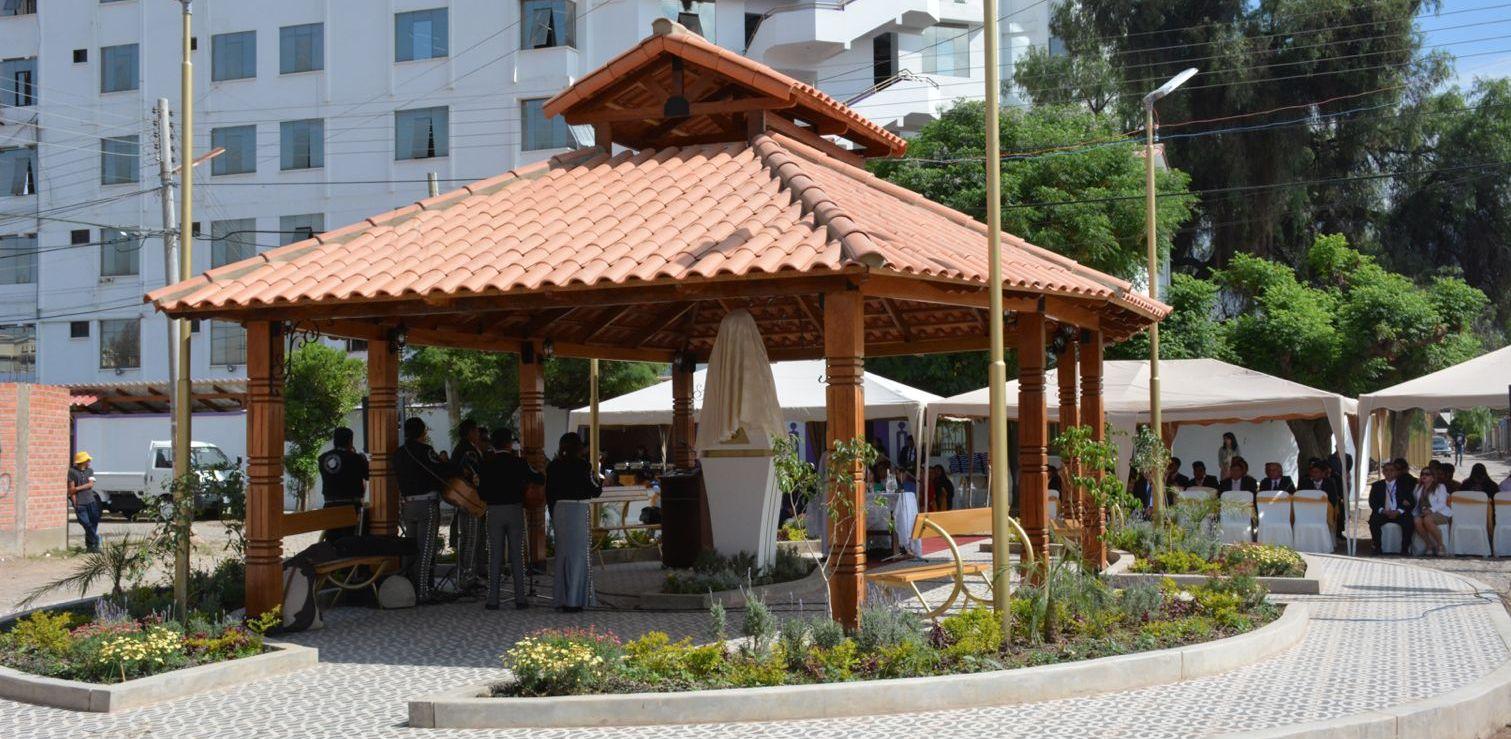 Alcaldía y Unitepc hacen la entrega de la plaza - Saturnino Fernández
